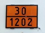 Табличка информационная с переключающимися цифрами оранжевого цвета для перевозки бензина и дизельного топлива